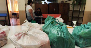 Escolas municipais de Formigueiro entregam kit's de alimentação