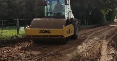 Vídeo: rolo compactador já está em funcionamento
